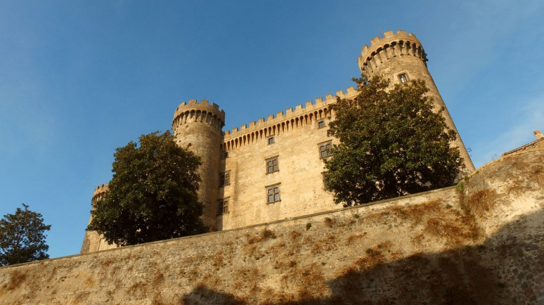 Pre Cruise Countryside Tour with RomeCabs - Bracciano Castle