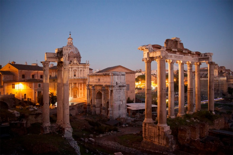 Rome at Night Tour - ROMAN FORUM  (RomeCabs Rome Tours)
