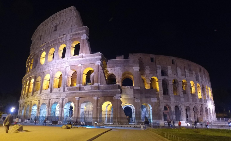Rome at Night Tour - Colosseum  (RomeCabs Rome Tours)