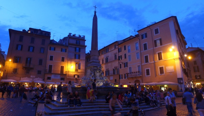Rome at Night Tour - PIAZZA DELLA ROTONDA  (RomeCabs Rome Tours)