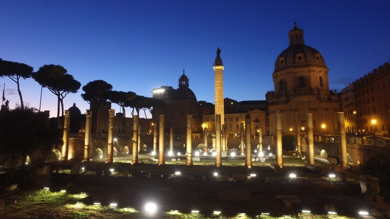 Rome at Night Tour - TRAJAN'S FORUM  (RomeCabs Rome Tours)